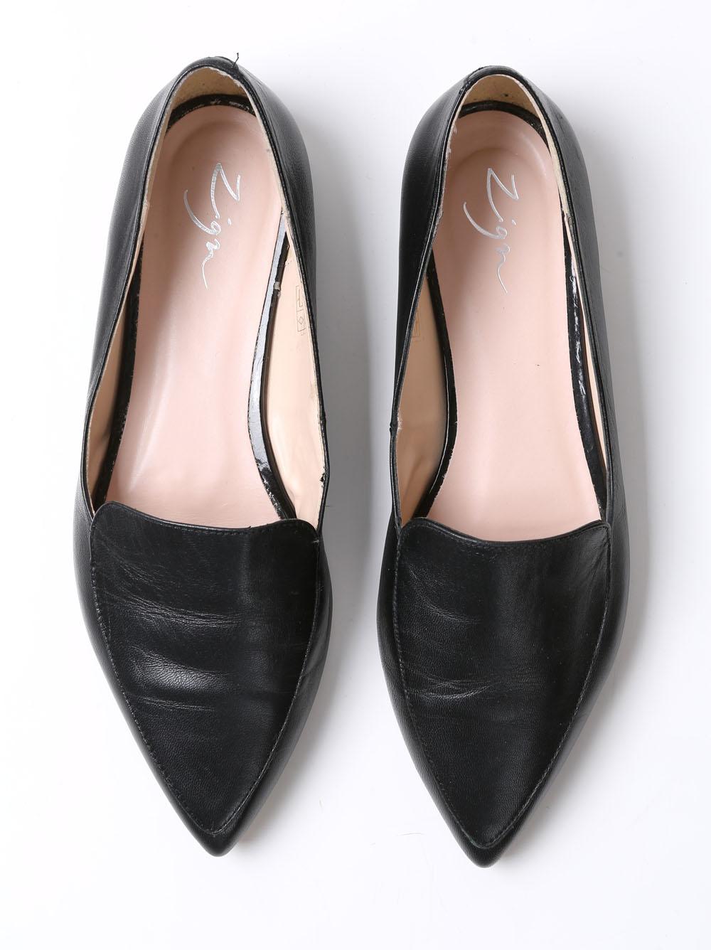 Melnas kurpes  Ādas, arī iekšpusē. Ļoti ērtas. 15 eiro, apavu veikals pretim Dailes teātrim.