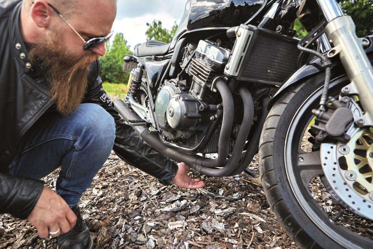 Ar šādu izpūtēju motocikls ieradās Eiropā. Tas nav oriģināls. Visticamāk, šo tūningu ir veicis motocikla iepriekšējais saimnieks Japānā.