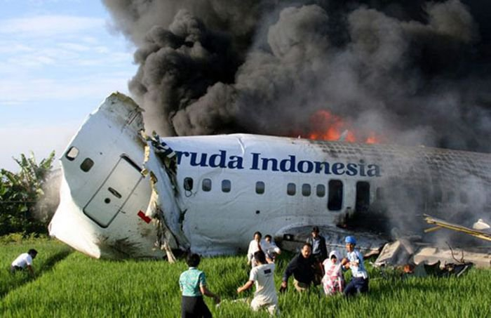 Twitter / Air Disasters