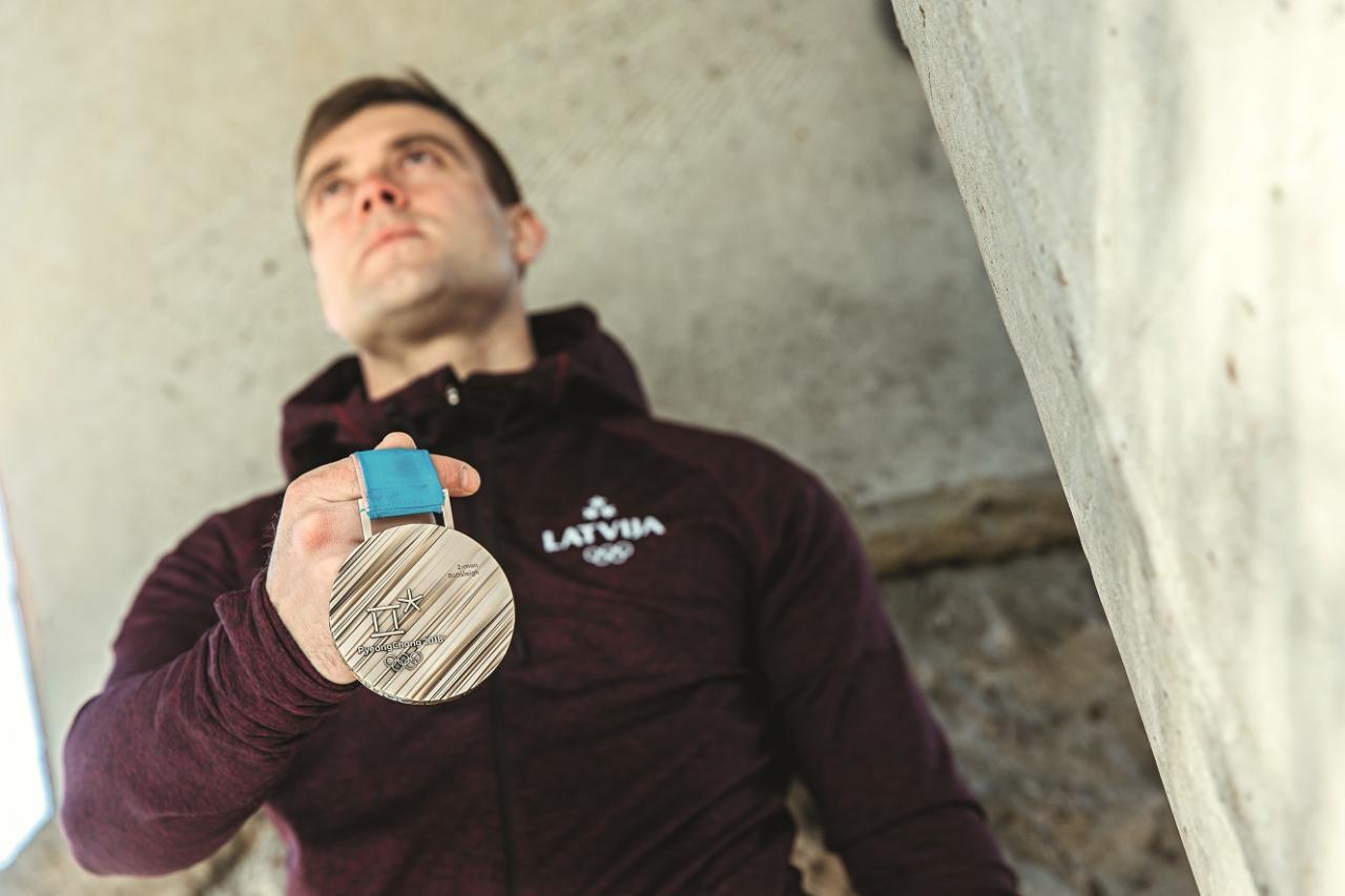 Jāņa Strengas un Oskara Melbārža bronzas medaļa divniekos.