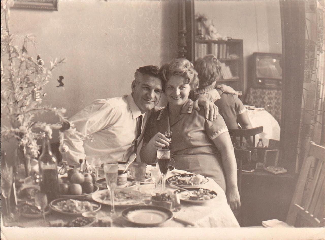 Vladimirs un Margarita Putiļini Ļeņinskas dzīvoklī Kosmonautu ielā 5-9.