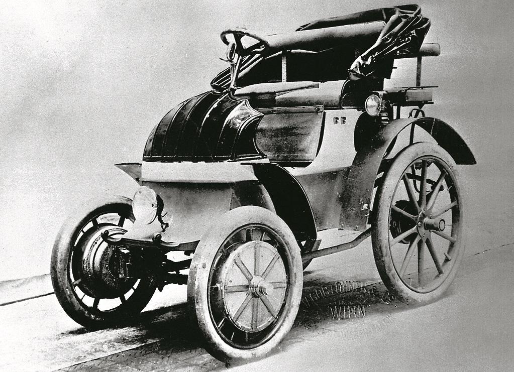 1898. gads. System Lohner-Porsche – priekšpiedziņas elektroauto.