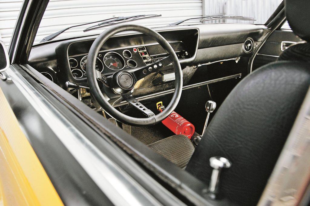Porsche mednieks pirms GTI ēras: pie šīs stūres varēja justies kā vācu Mustang.