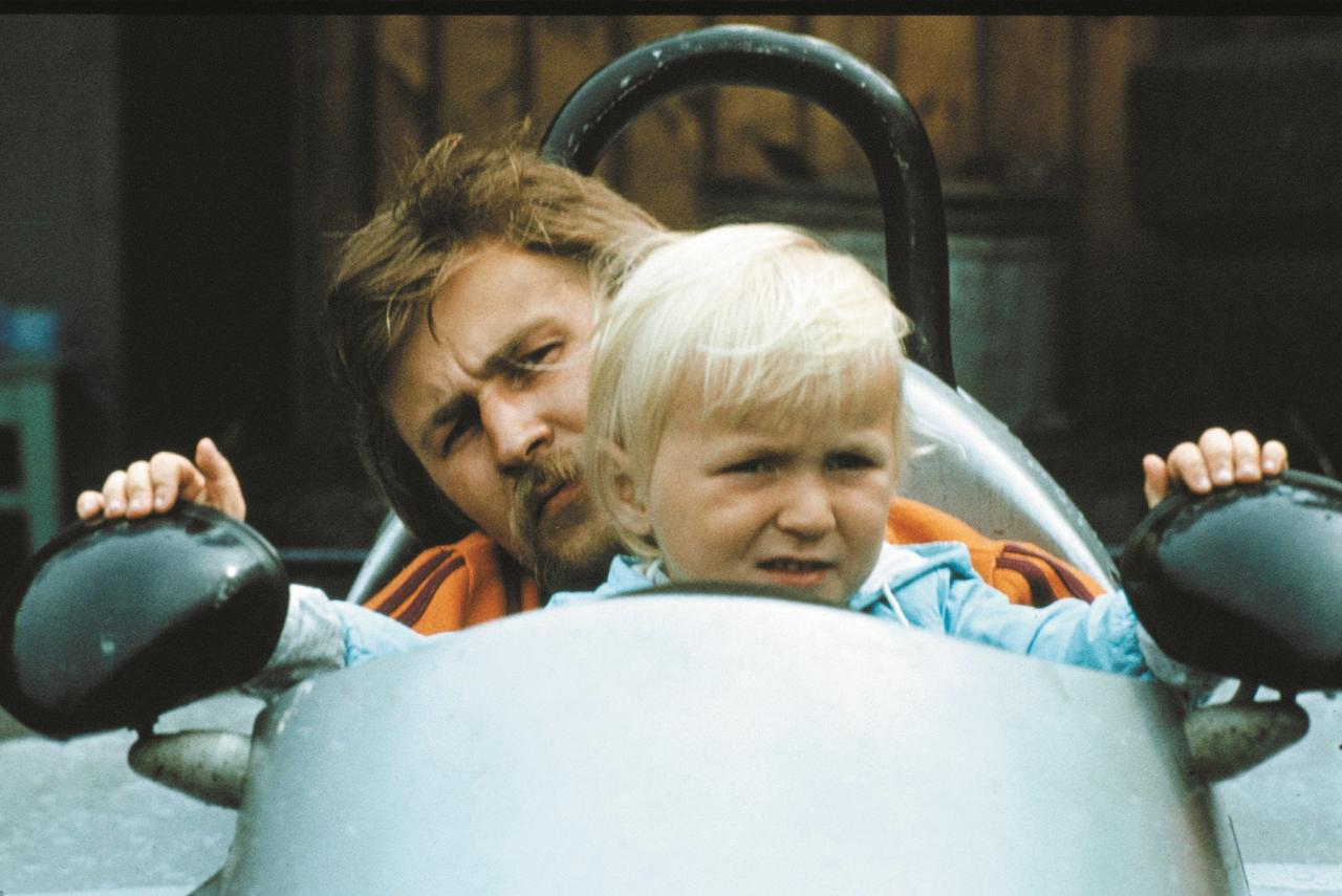 1984. gads. Māris ar dēlu Lauri, kurš pēc dažiem gadiem jau trešajā treniņā pārspēj tēva apļa laikus