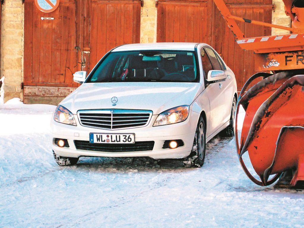 No sniega nebaidās: ar ziemas riepām labas braukšanas īpašības