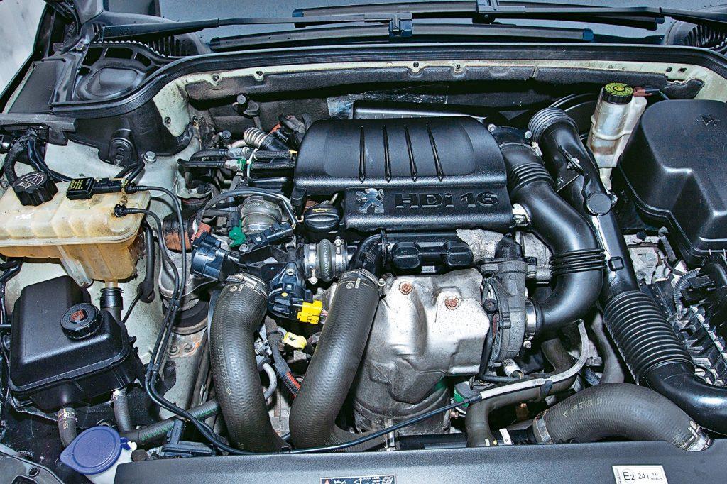MAZS UN KLUSS. 1.6 HDi ir ekonomisks, kluss un principā izturīgs, taču tā turbokompresors tiek uzskatīts par kaprīzu