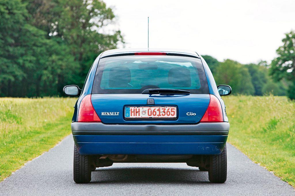 Šarnīri, balsta sviras un stabilizatori ir Clio B kritiskās detaļas