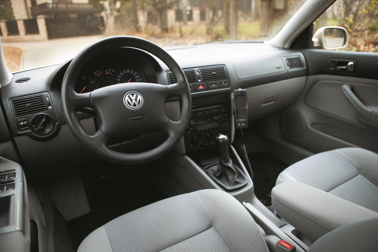 Panelis veidots pēc labākajām VW tradīcijām – skaidri saprotams un bez liekiem eksperimentiem