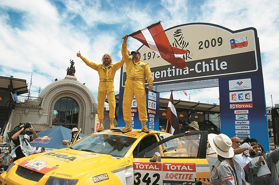Pēc finiša Čīles galvaspilsētā Santjago.