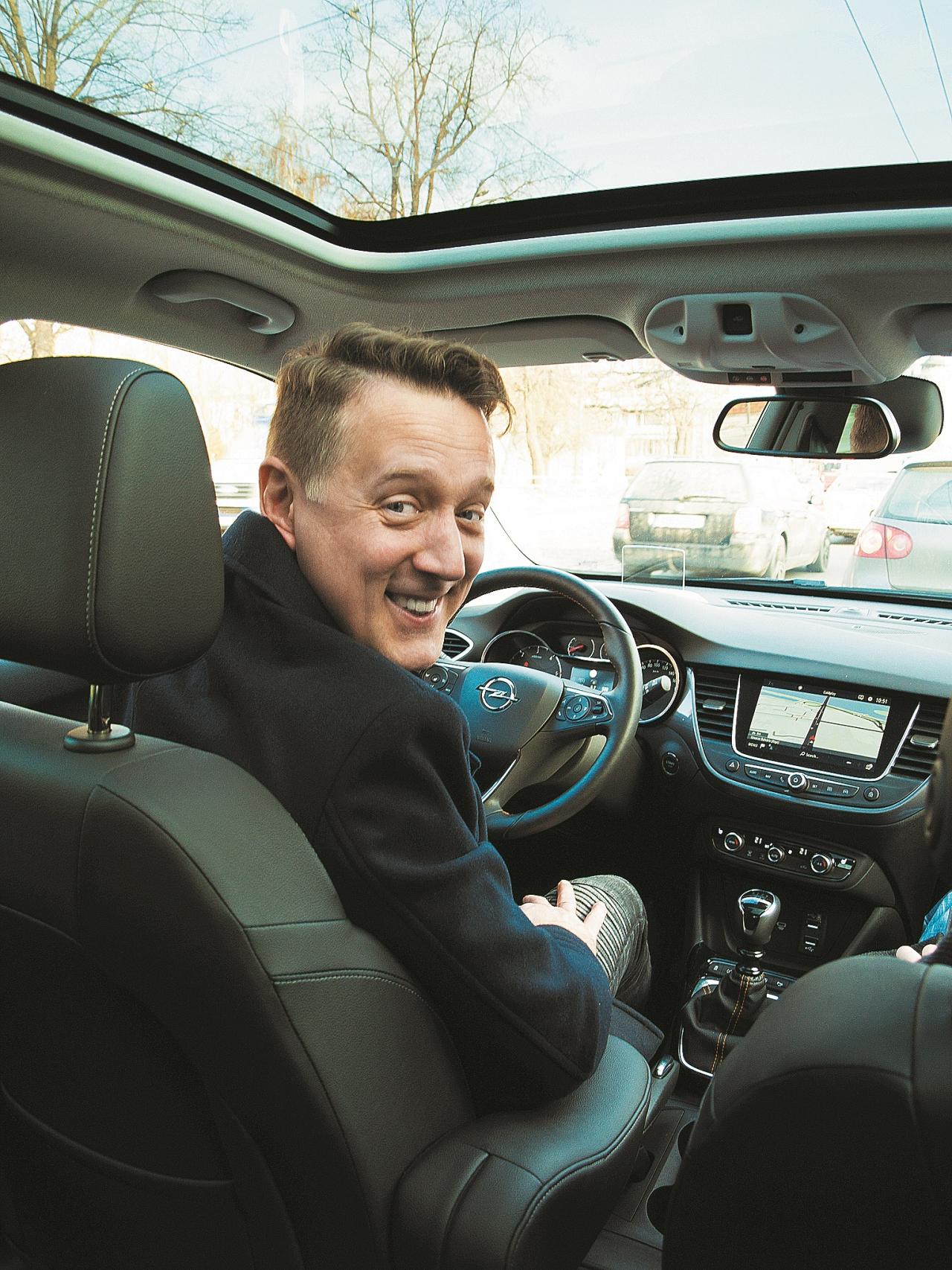 """""""Lai arī man ir svarīgi, ka dzinējam ir jaudas rezerves,  ar sirmumu matos esmu kļuvis prātīgāks."""""""