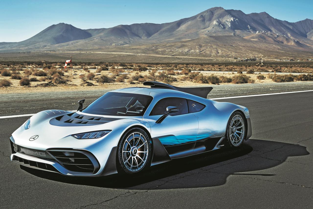 Koncepts Project One ar F1 tehniku. Šis automobilis maksā 2,7 miljonus eiro, un visi 275 eksemplāri ir jau rezervēti.
