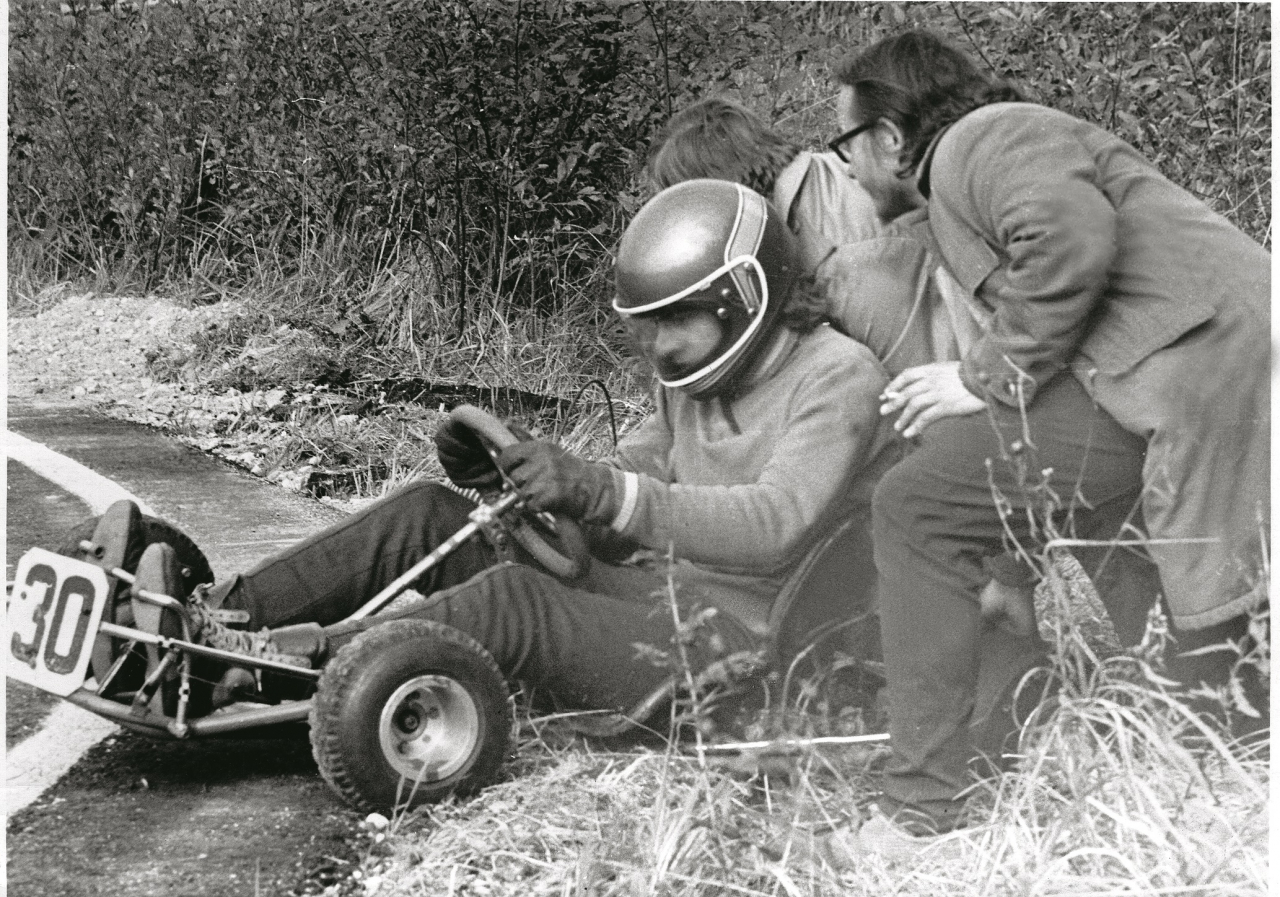Ceļā uz 1975. gada PSRS čempiona titulu kartingā.