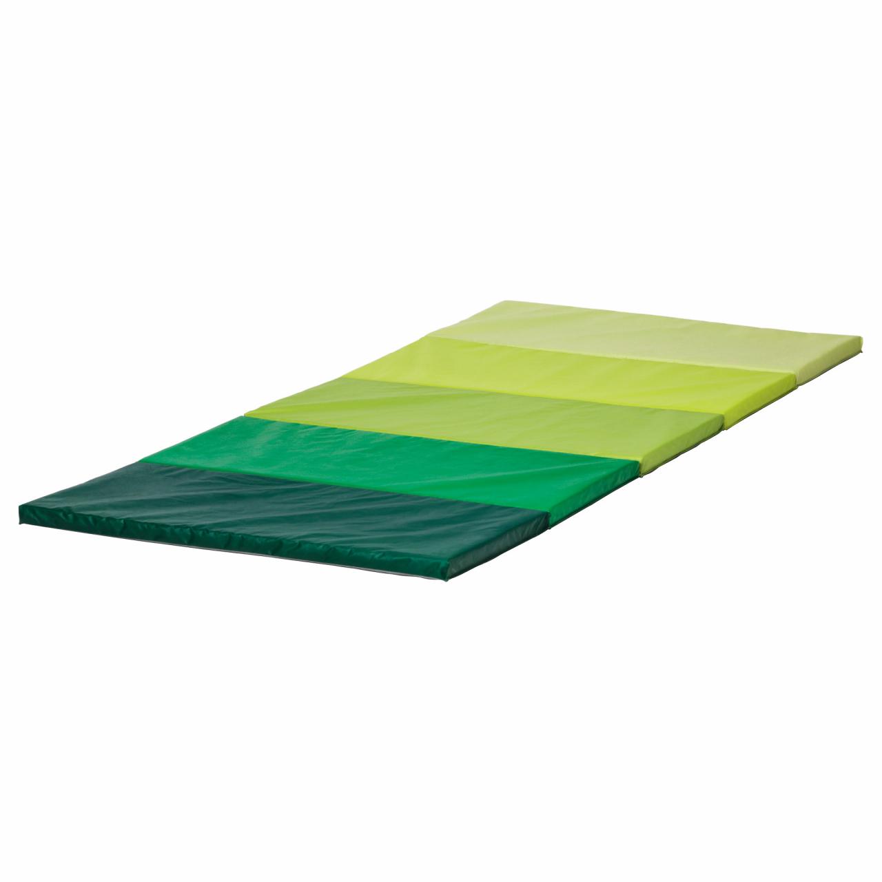 Ikea Plufsig paklājiņš. Universāls paklājiņš lieliem un pavisam maziem bērniem, kuru var izmantot vingrošanai, dažādām rotaļām sēdēšanai un gulēšanai. 37,50 eiro, Mebstore.lv