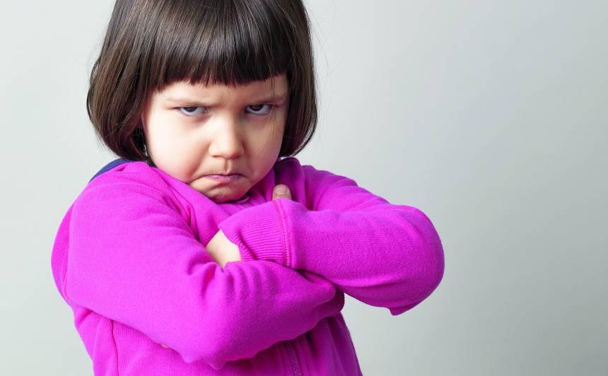 Stereotipiskā audzināšana — <strong>meitenes tā nedara!</strong>