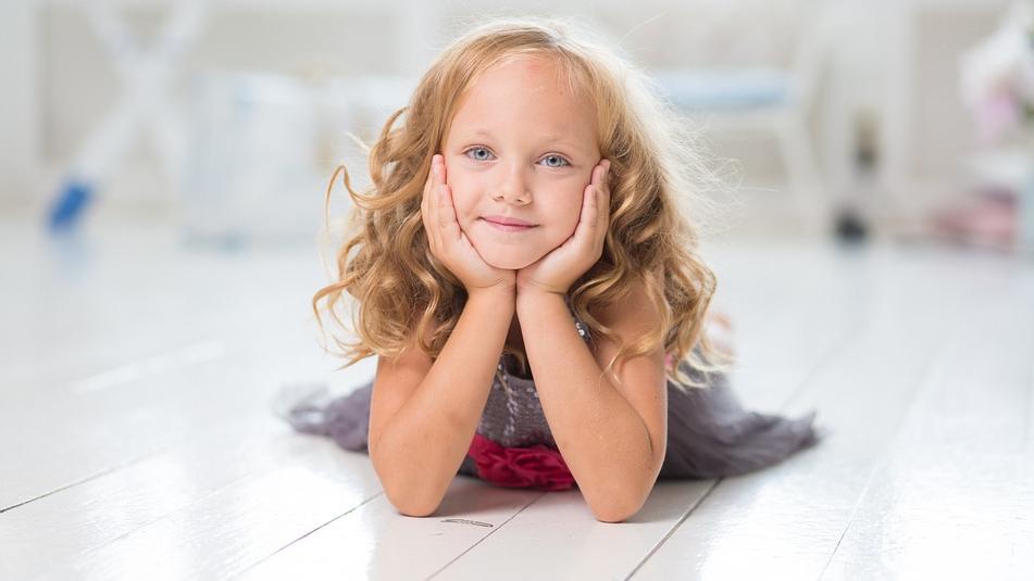 5 mīlestības valodas <strong>bērna pašapziņai</strong>