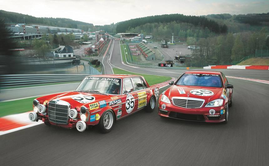Titānu cīņas — trasē tiekas divas <strong><em>Mercedes AMG V8</em></strong> leģendas