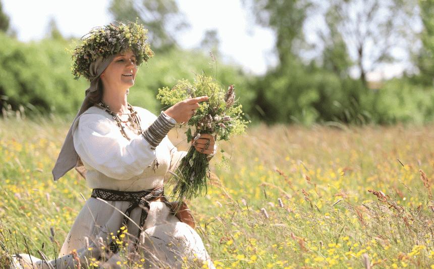 <strong>Ārstniecisko augu un tradīciju pazinēja Līga Reitere</strong> par dzīvi un veselību