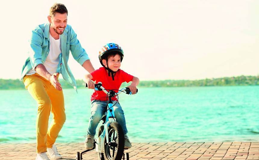Kāpēc tik svarīgi, lai <strong>tētis piedalās bērna audzināšanā?</strong>