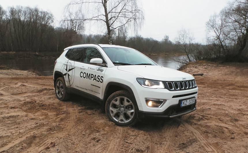 <strong>Jeep Compass</strong> pirmais testa brauciens