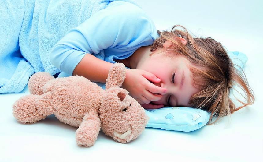 <strong>Palīgā, bērnam rotavīruss!</strong> Kā nesaslimt, kā ārstēties, kad doties uz slimnīcu un <strong>kā pēc tam atkopties</strong>