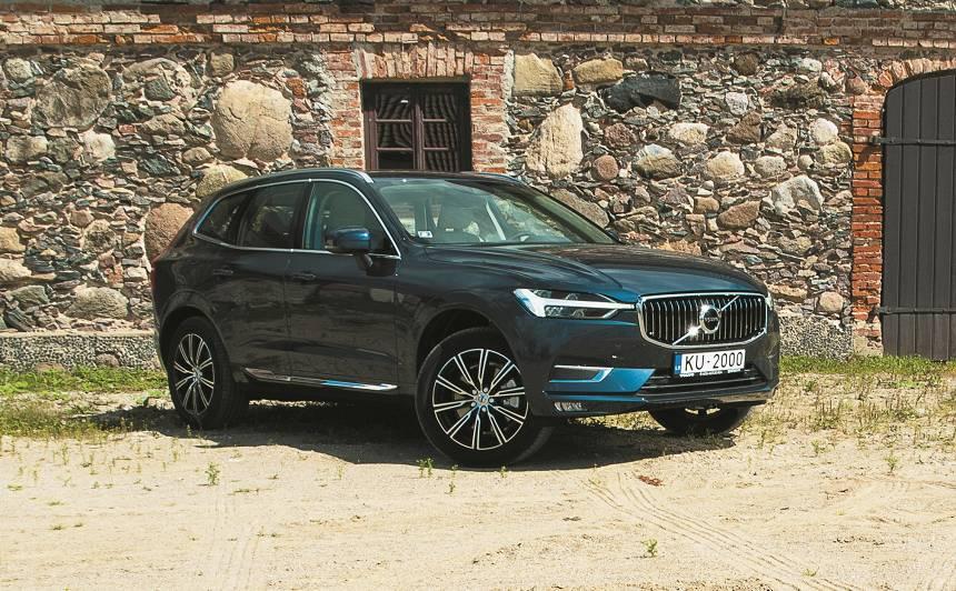 <strong><em>Volvo XC60</em></strong> pirmais testa brauciens