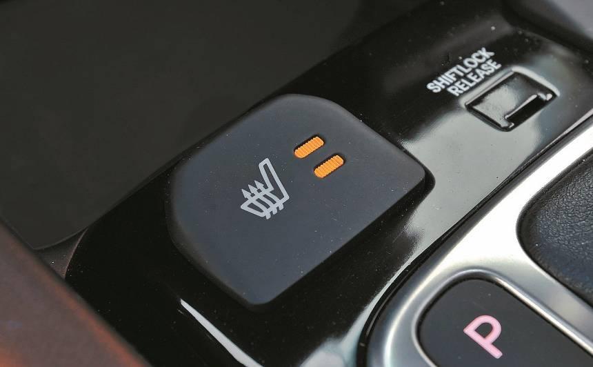 Kāpēc <strong>bagātīgi aprīkotiem</strong> auto nav sēdekļu apsilde?