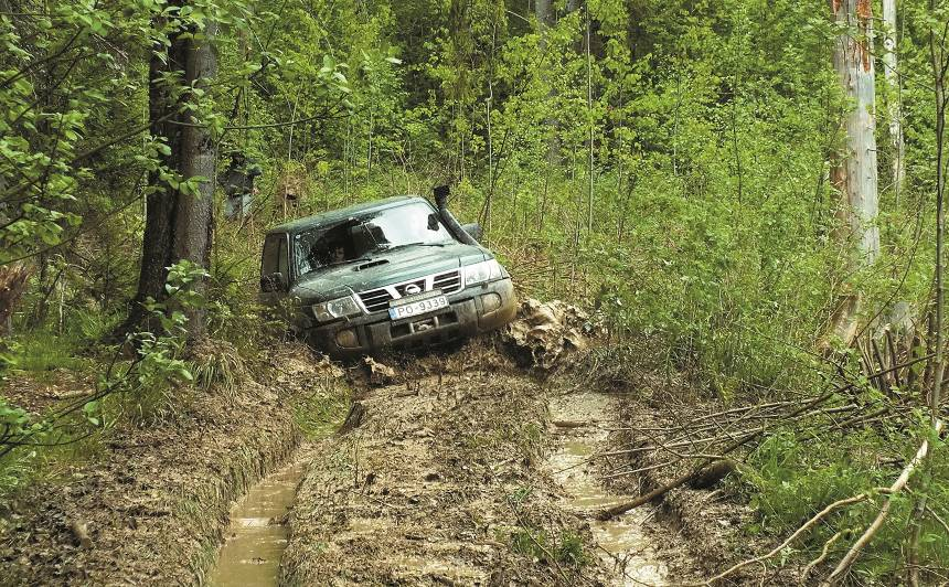 Noderīgi padomi, kā <strong>droši pārvarēt</strong> bezceļu braucienus. 1. daļa