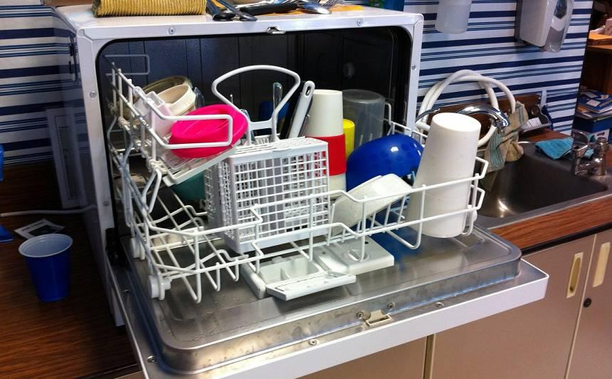 Nepieļauj tipiskākās kļūdas, kas <strong>bojā trauku mazgājamo mašīnu!</strong>