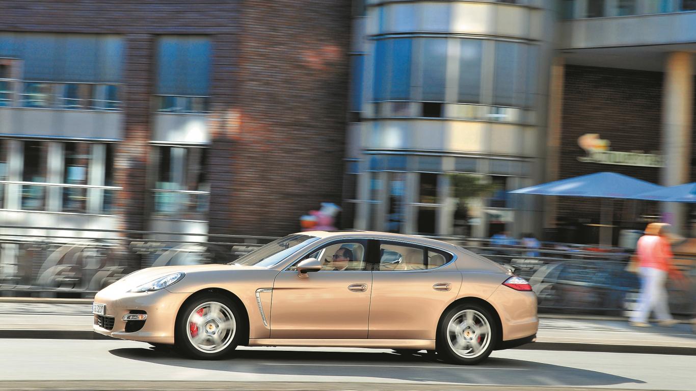 Kā auto maina <strong>mūsu raksturu</strong> — salīdzinām <em>Porsche Panamera</em>, <em>Škoda Yeti</em> un <em>Toyota Prius</em>