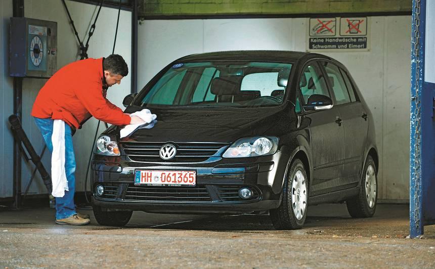 <strong>9 izturīgi</strong> lietotie auto par <strong>mazāk nekā 6000 eiro</strong>