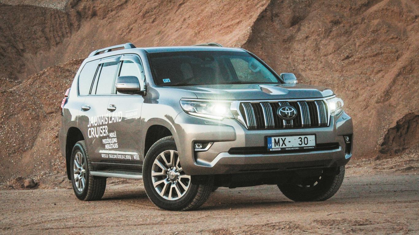 <strong>Toyota Land Cruiser</strong> pirmais testa brauciens