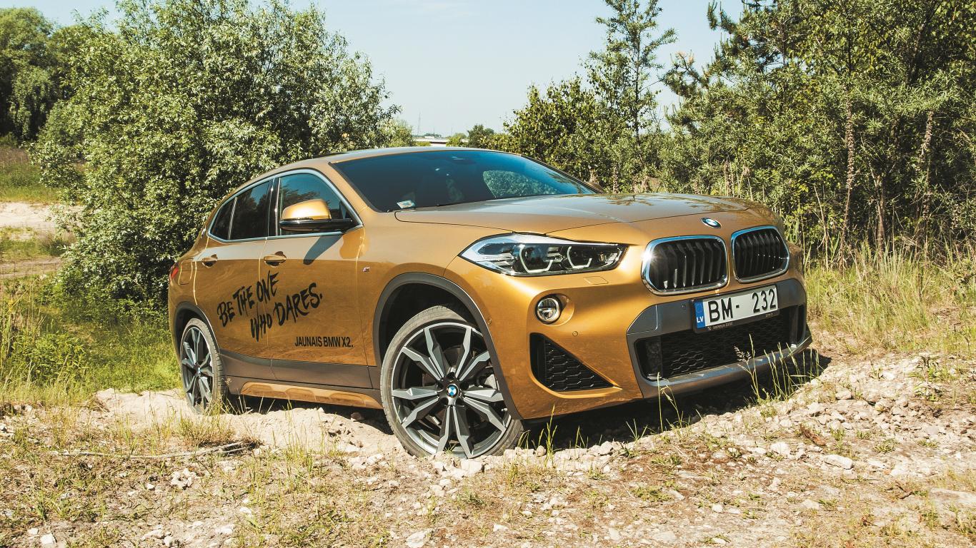 <strong><em>BMW X2</em></strong> pirmais testa brauciens