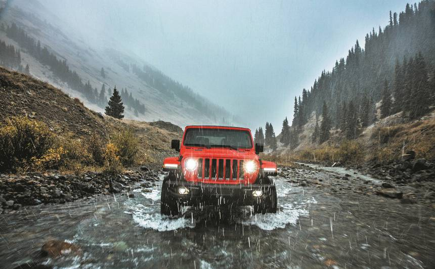 <strong>Mīlestība bez durvīm</strong> - jaunais <strong>Jeep Wrangler</strong> dodas piedzīvojumos!
