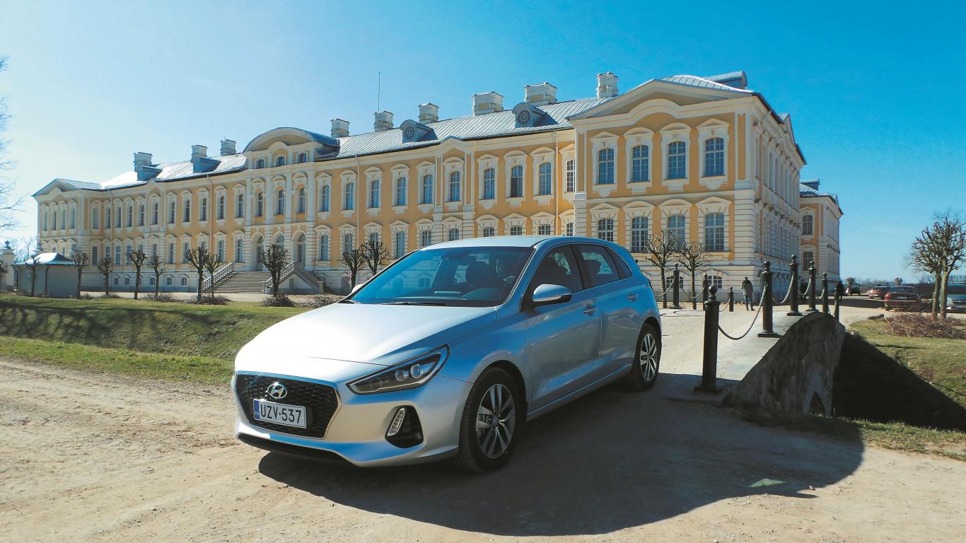 <strong><em>Hyundai i30</em></strong> pirmais testa brauciens