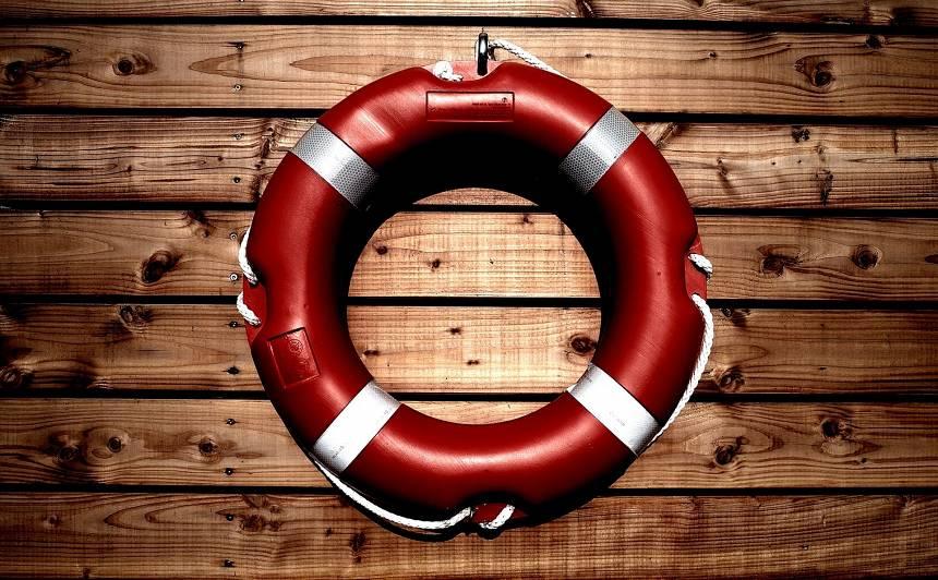 Lēciens uz galvas ūdenī — <strong>riskants un letāls</strong>