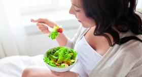 <strong>Veselīgs uzturs grūtniecei.</strong> Ko drīkst un ko nekādā gadījumā nevajadzētu ēst?