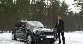 Testējam auto tandēmā: hokejists <strong>Jēkabs Rēdlihs</strong> un <strong>Mini Countryman</strong>