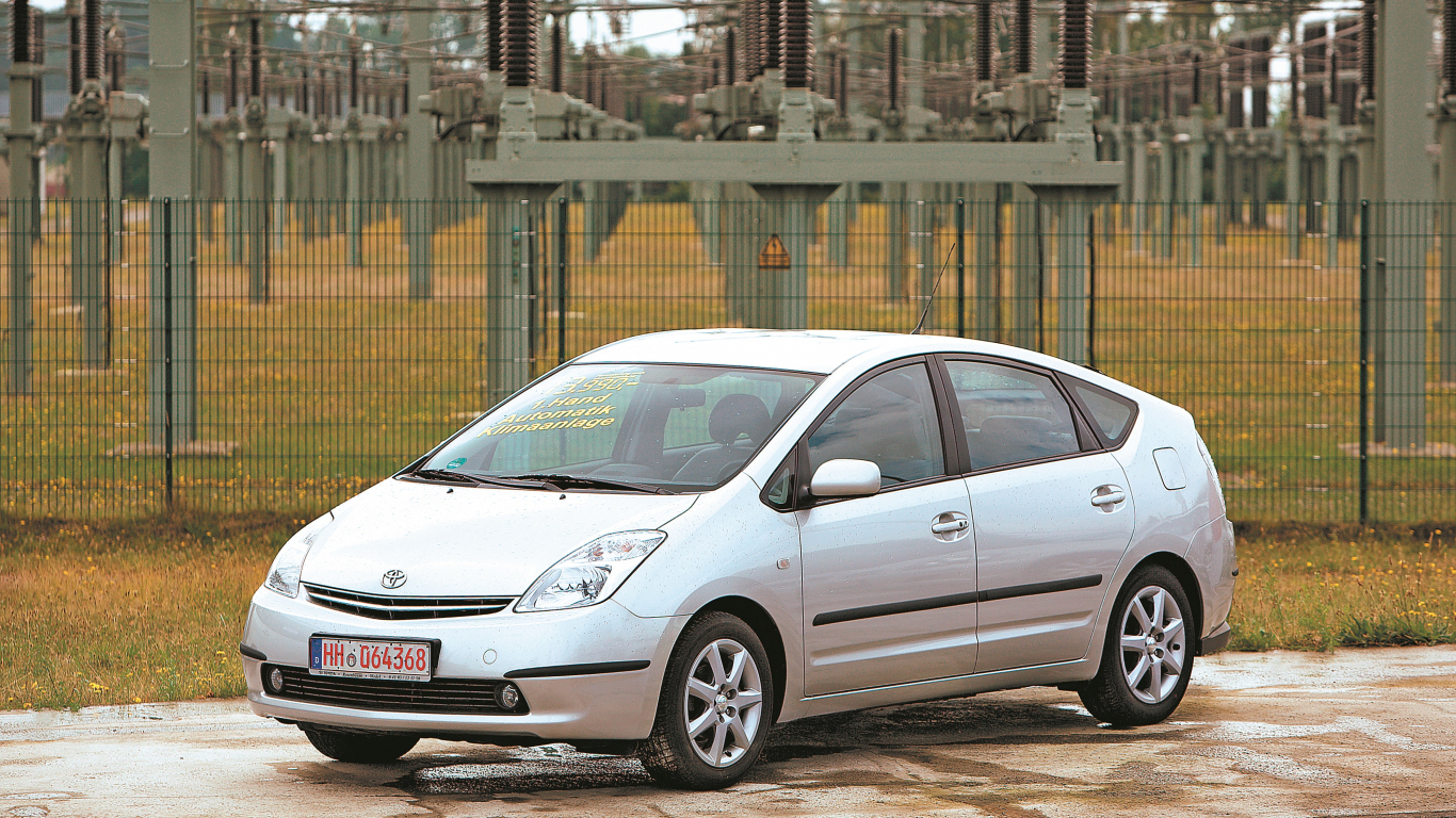 Lietots auto: <strong><em>Toyota Prius</em> (03–09)</strong> — ekspertu atsauksmes