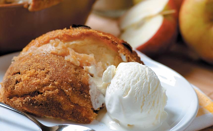 Šarlote ar biezpienu un āboliem recepte