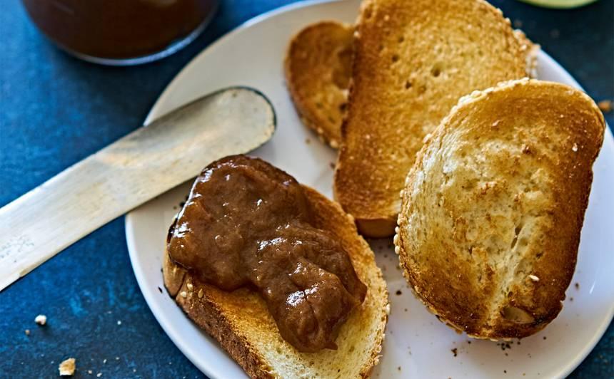 Rabarberu sviests