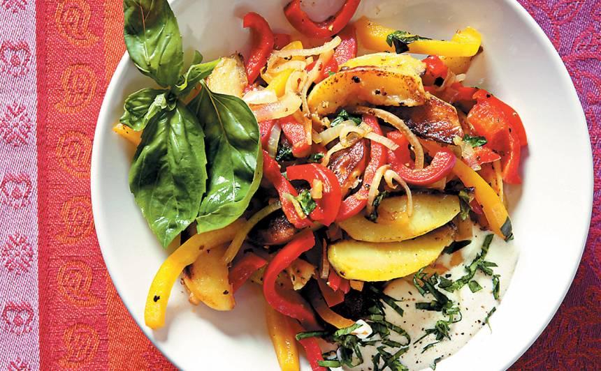 Cepti kartupeļi ar papriku un puravu recepte
