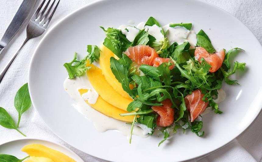Salāti ar lasi un mango