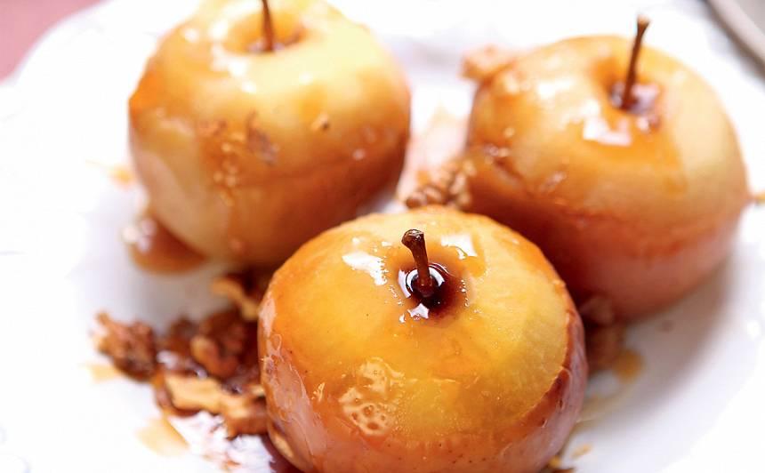 Sidrā sautēti āboli ar karamelizētiem valriekstiem recepte