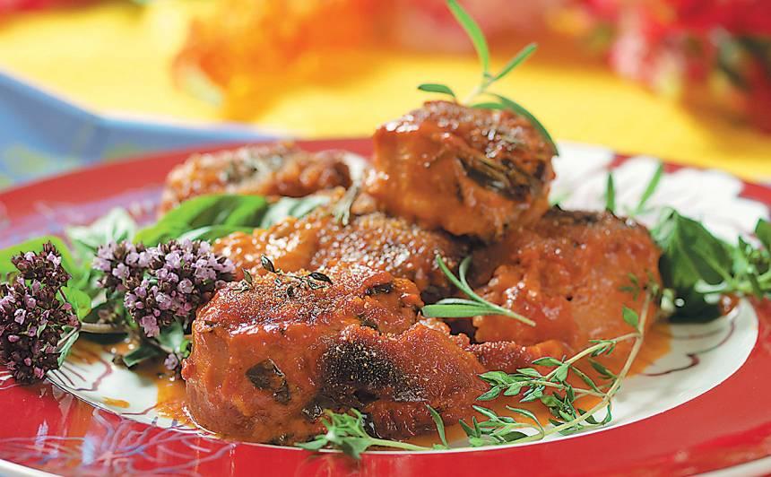 Krāsnī cepta cūkas fileja tomātos recepte