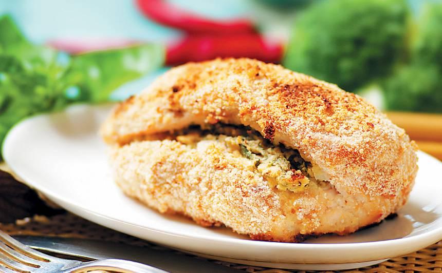 Pildīta vistas fileja ar rīvmaizes garoziņu recepte
