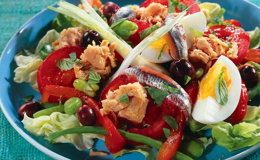 Nicas salāti ar sardīnēm recepte