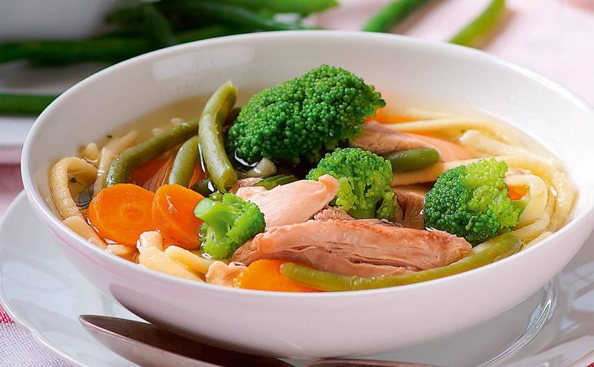 Vistas zupa ar dārzeņiem un nūdelēm recepte
