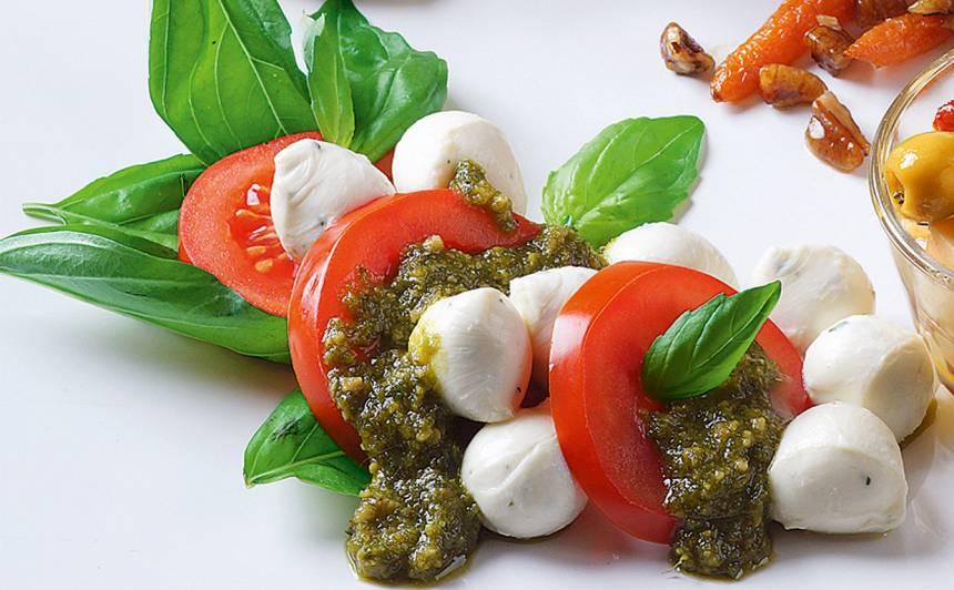 Tomātu un mocarellas salāti recepte