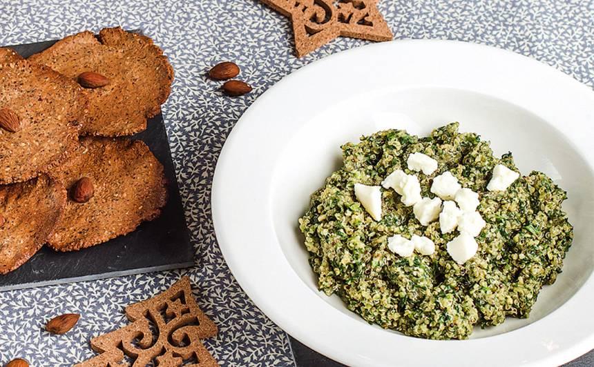 Kvinoja ar spinātiem, pesto un sieru recepte