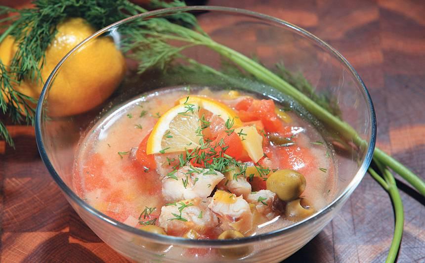Zivju zupa ar zaļajām olīvām recepte